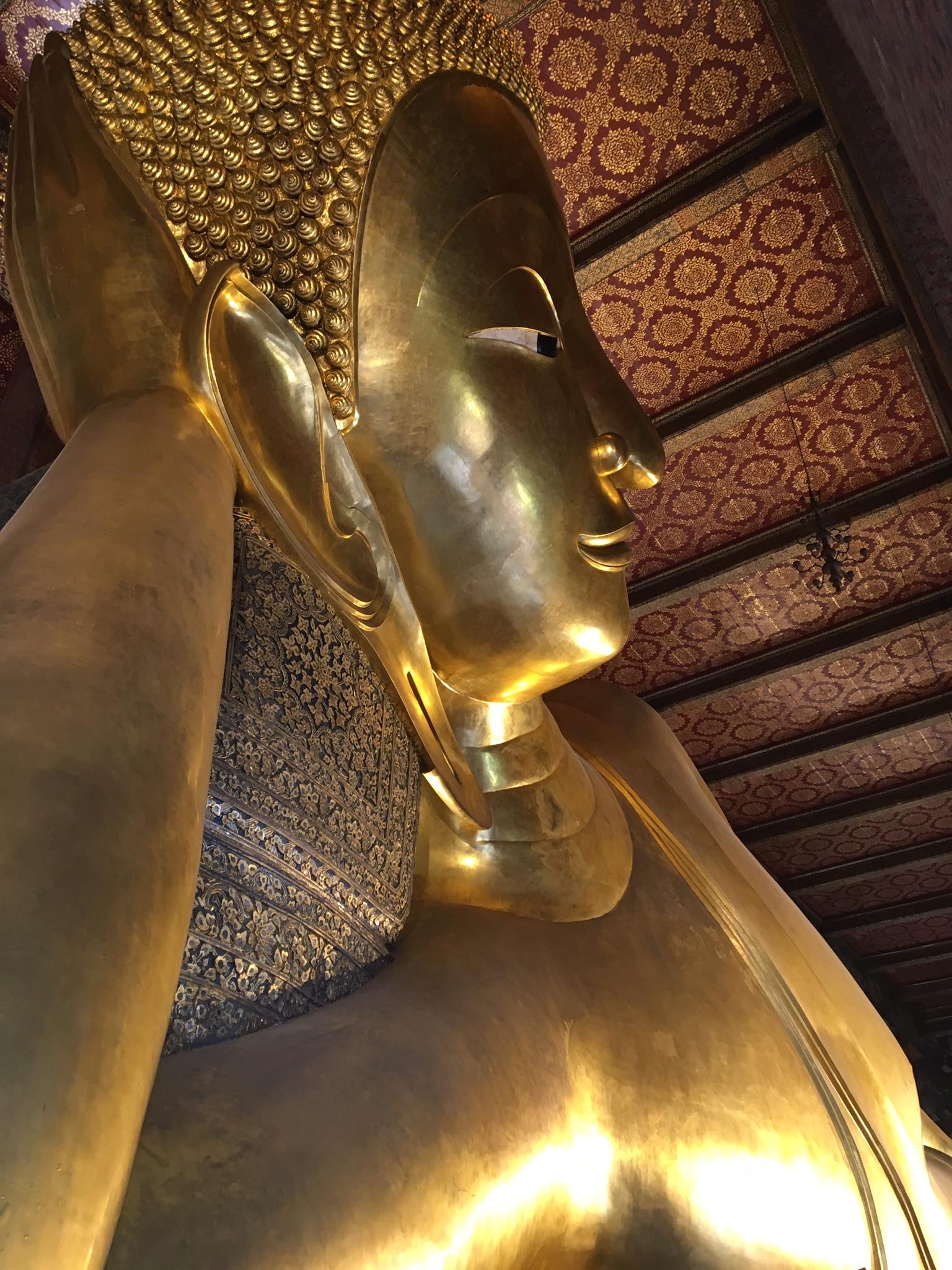 Reclining Buddha wat Pho www.trialbyinspiration.com